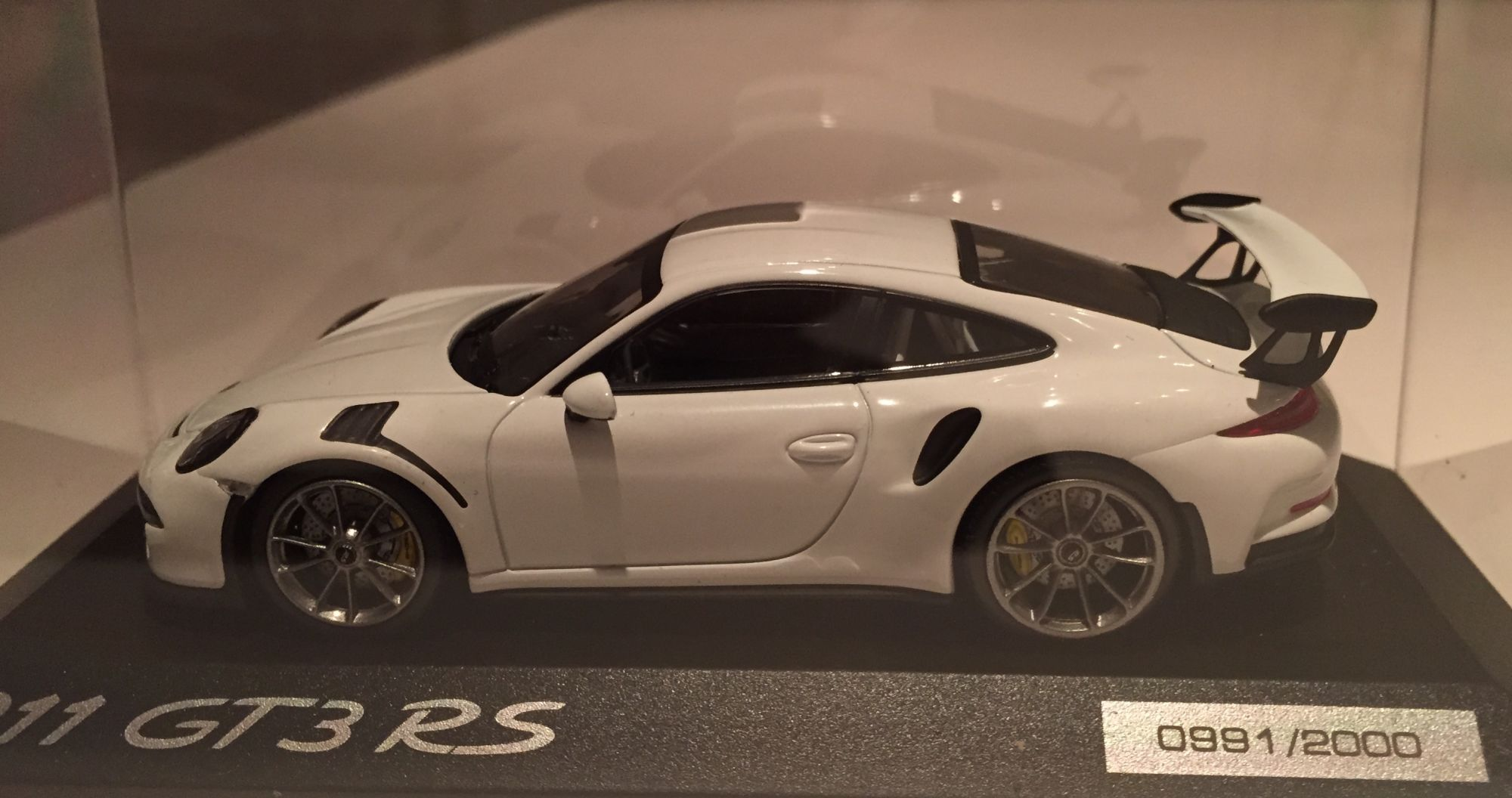 991 GT3 RS White...scale mofel.jpg