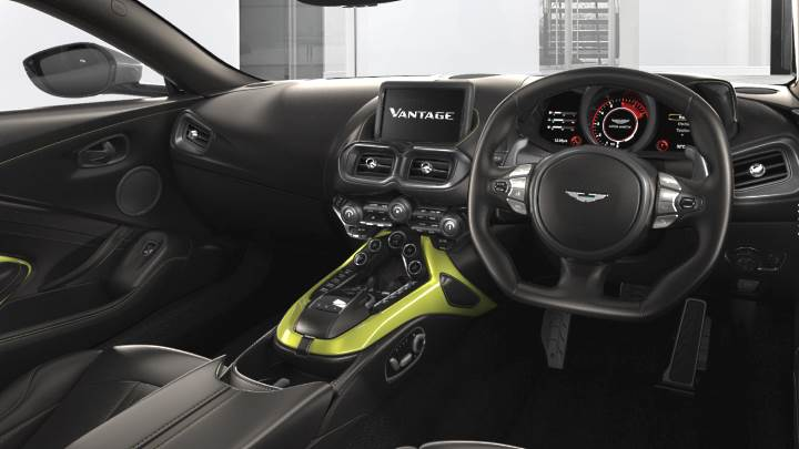 aston-martin-vantage-coupe-2018-dashboard.jpg